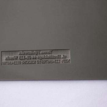 Grawerowanie laserem pieczątki w gumie Simoline
